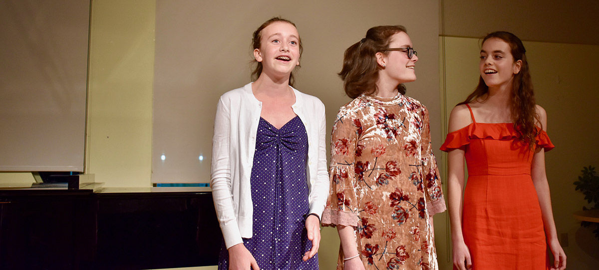 Singers Hit All the Right Notes at Cabaret Night